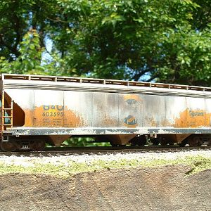 B&O CHESSIE paint peeling hopper!