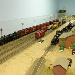 Grizzly Northern 5709 and Mixed Freight/Passenger