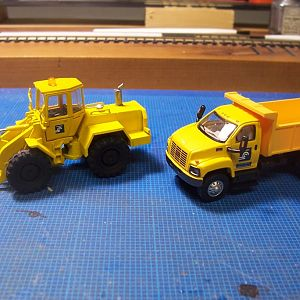 Conrail MOW payloader and dump truck
