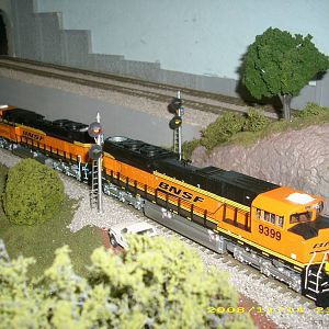 s bnsf sd70aces up the hill